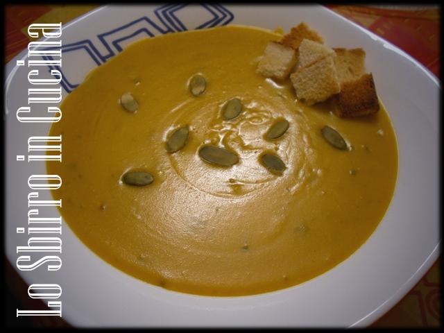 minestra di zucca e patate con lenticchie rosse