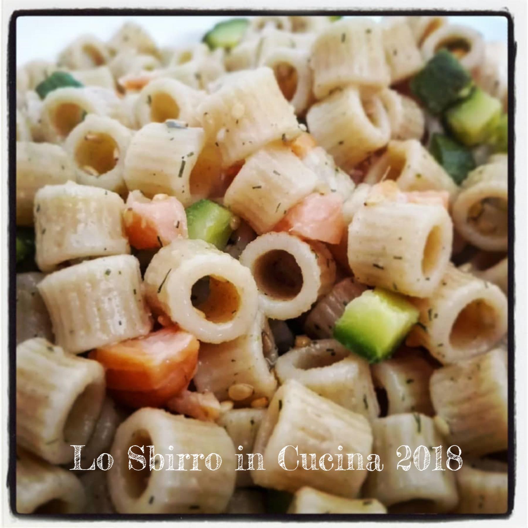 insalata ditalini farro salmone e zucchine